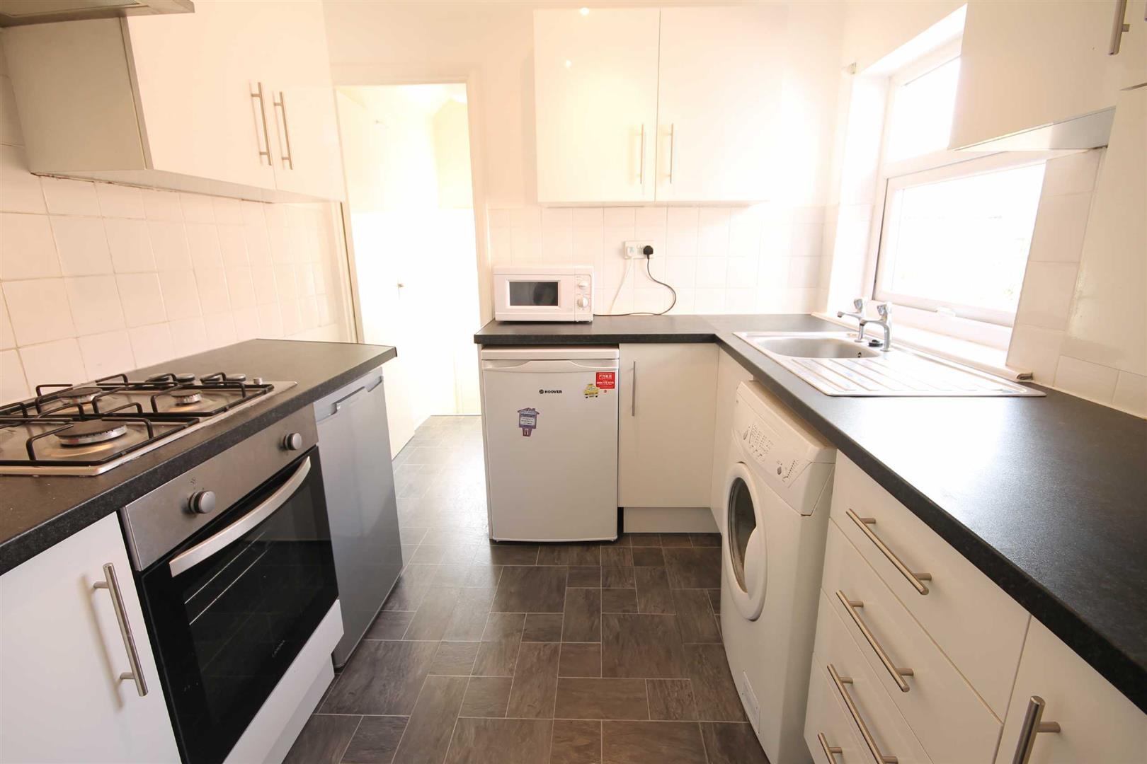 Simonside Terrace Newcastle Upon Tyne, 4 Bedrooms  Maisonette ,For Sale